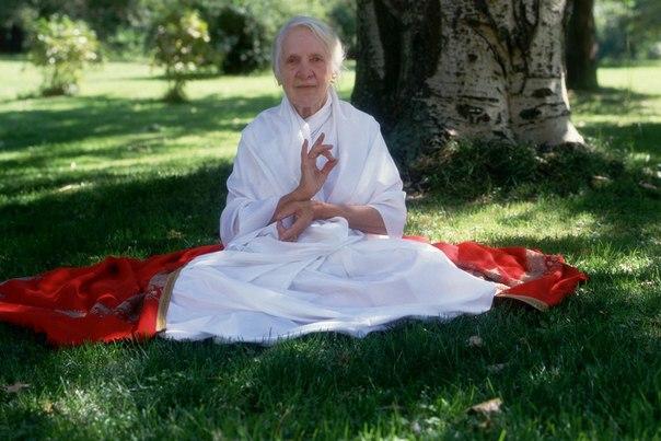 Тридцать правил питания первой женщины-йога, дожившей до 103 лет