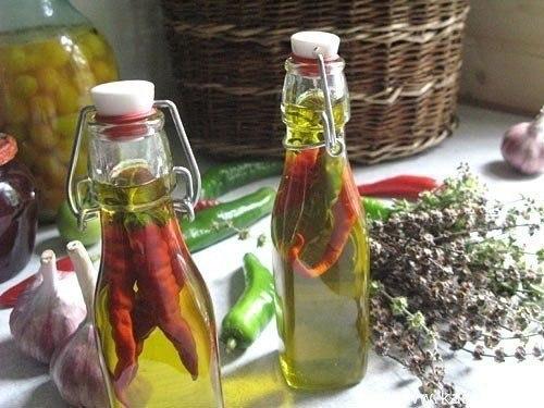 Рецепт растирки из перцового масла для больных суставов