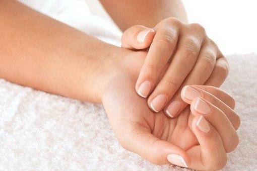 Четыре простых шага для ухода и увлажнения рук